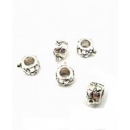 Kraal met oog /hanger  Hondenpoot  zilveren metaal