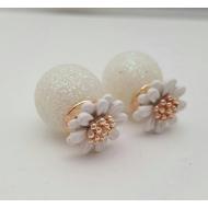 Dubbele Dots oorbellen - Bloem - wit