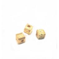 Spacer -kraal- goudkleur- vierkant - bewerkt